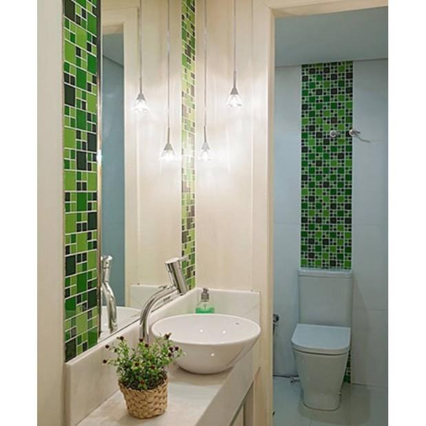 Banheiro com Pastilhas de Vidro Cristal Top Bambu - Sincenet (2)-700x700