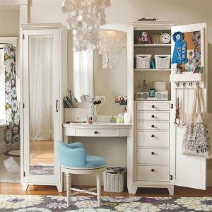 compact-beauty-station-for-your-dressing-room
