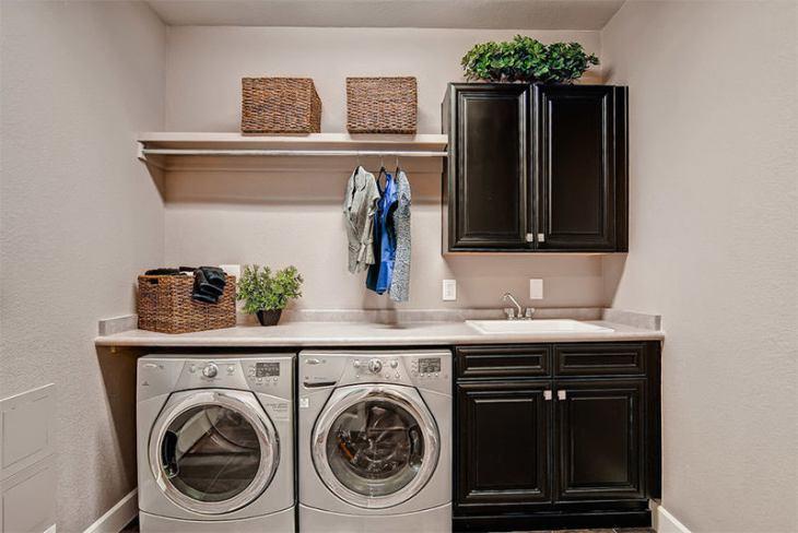 4-lavanderia-simples-maquinas-embutidas