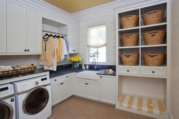 8-lavanderia-branca-com-cestos