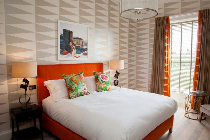 9-cama-colorida-papel-de-parede-geometrico