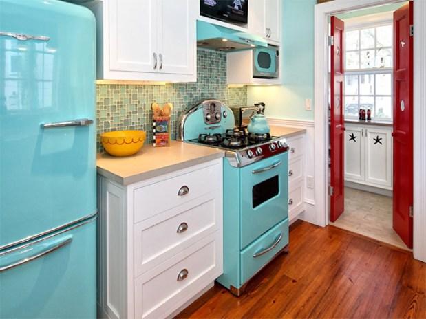 06-cozinha-retro-azul-charmosa