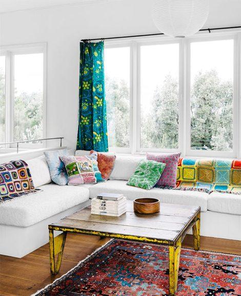 10-manta-colorida-sofa-claro-escandinavo