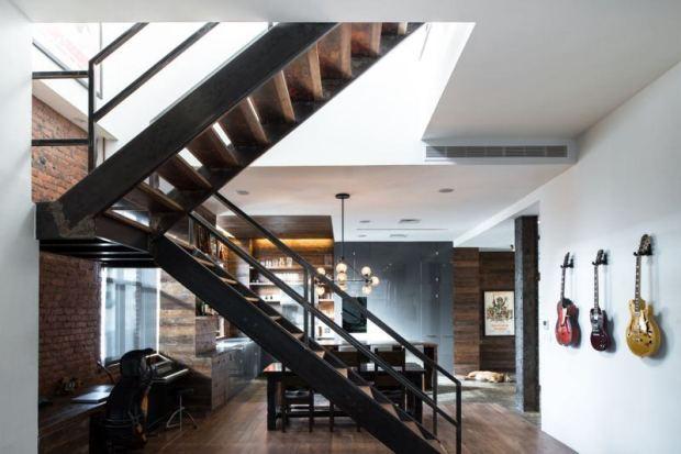 15-parede-tijolo-escada