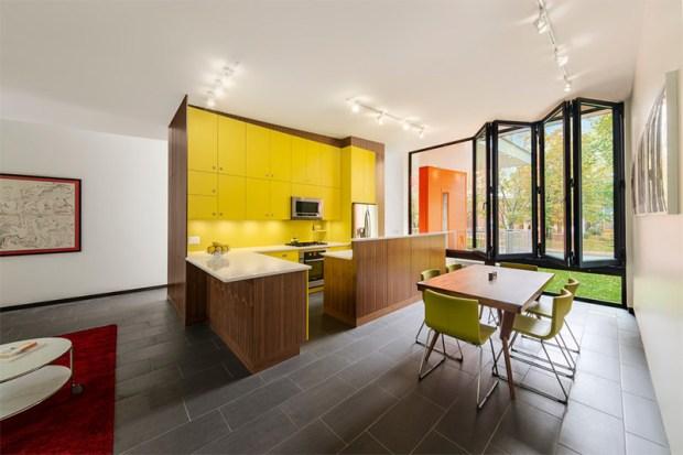 10-cozinha-amarela-armário-com-madeira