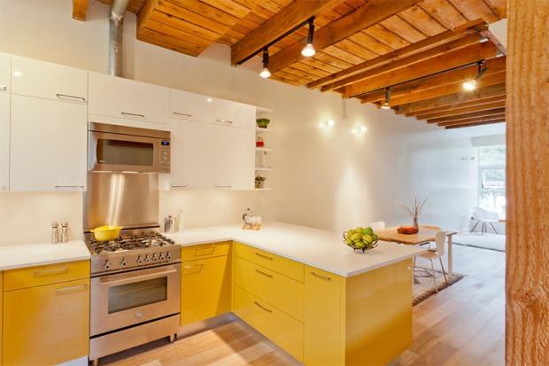 4-cozinha-amarela-armário´bancada-branca