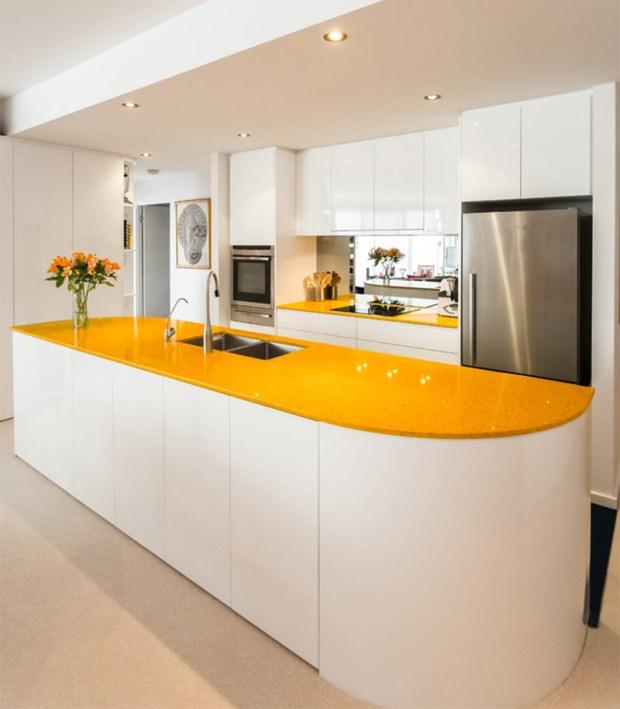 7-cozinha-bancada-amarela