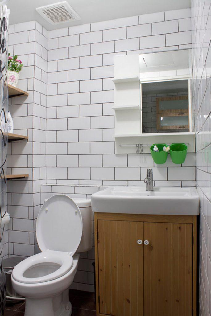 09-banheiro-branco-pequeno
