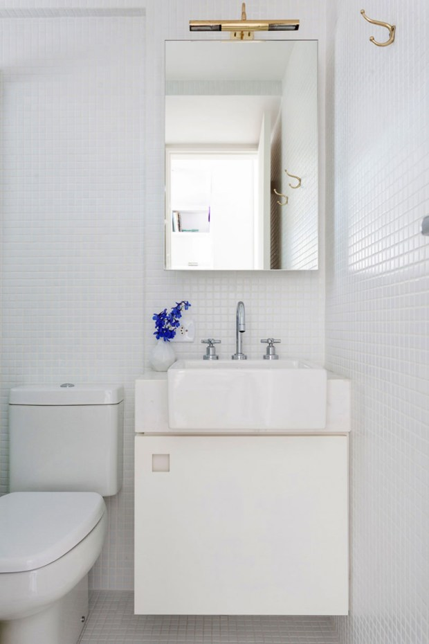 10-banheiro-pequeno-parede-branca