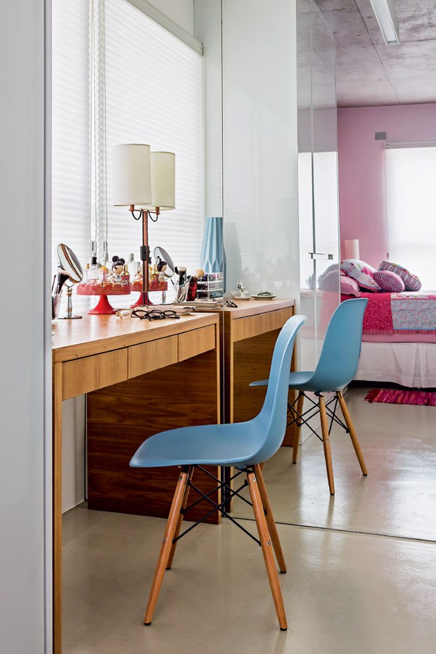penteadeira-cadeira-azul